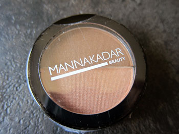manna_kadar_beauty_bronzer_highlighter_split_pan